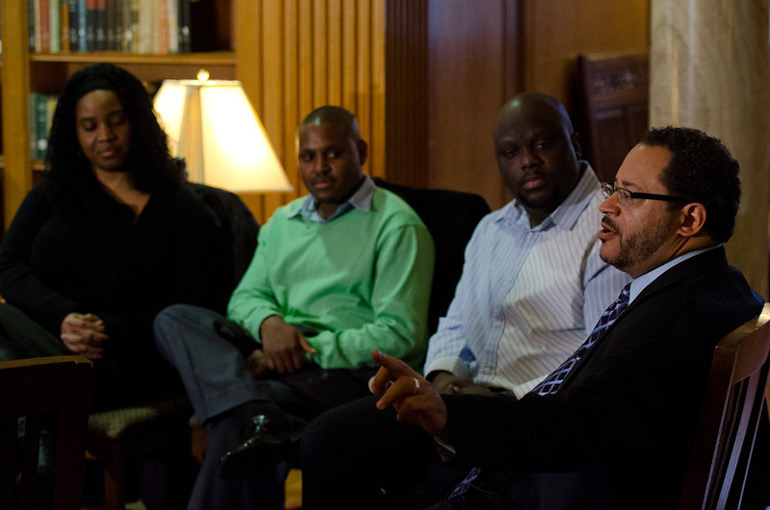 Michael Eric Dyson talking with students