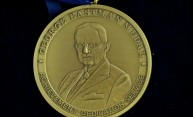 The George Eastman Medal will be presented to Steven Chu '70 and  Harold and Joan Feinbloom.