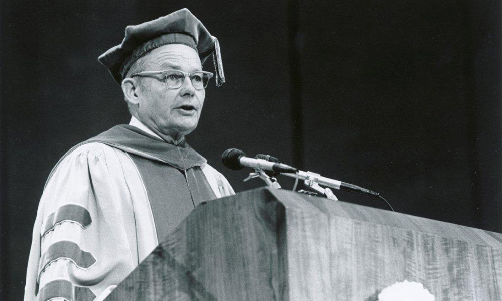 archival photo of Robert Sproull