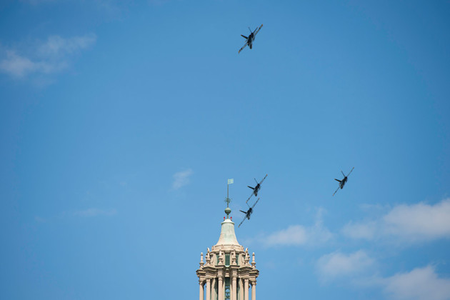 Navy jets in the sky over Rush Rhees Library tower