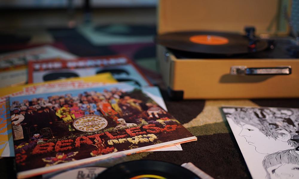 Sgt. Pepper album on turntable
