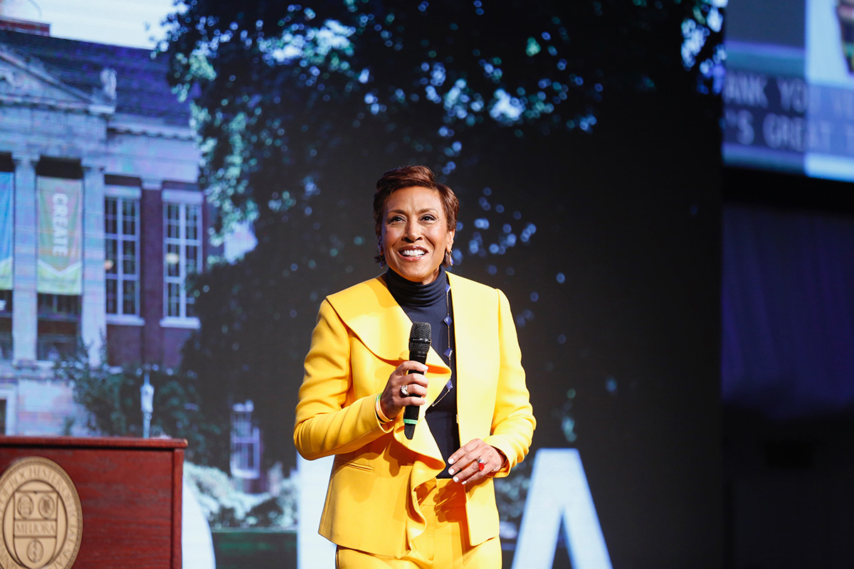 Robin Roberts on stage