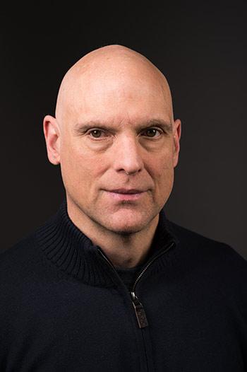 portrait of Matt Lenoe.