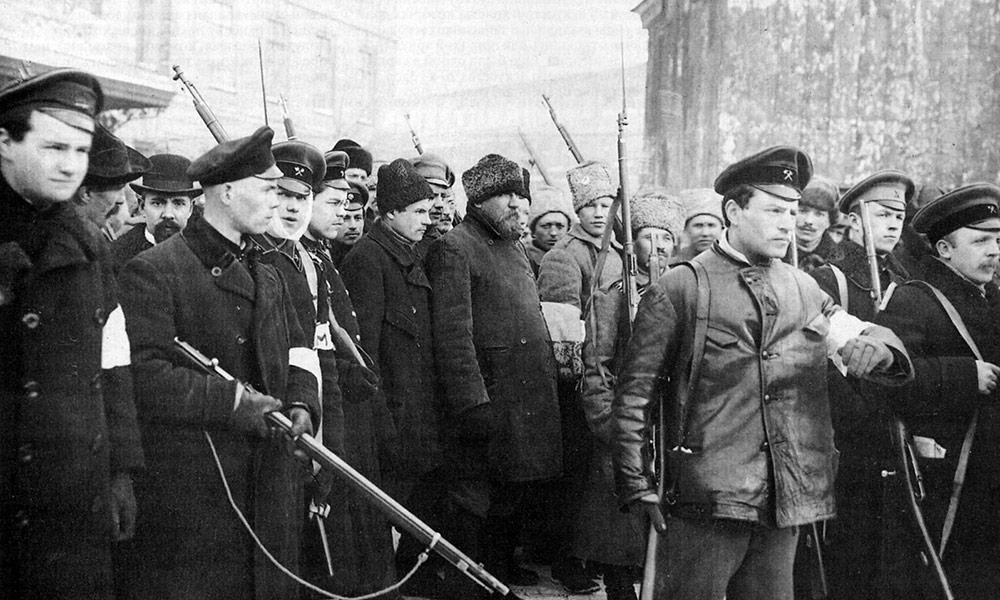 historic photo of Russian soldiers