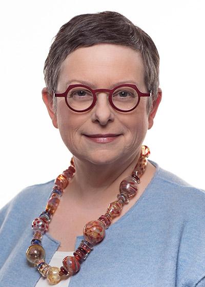 Elizabeth Stauderman : Vice President for Communications