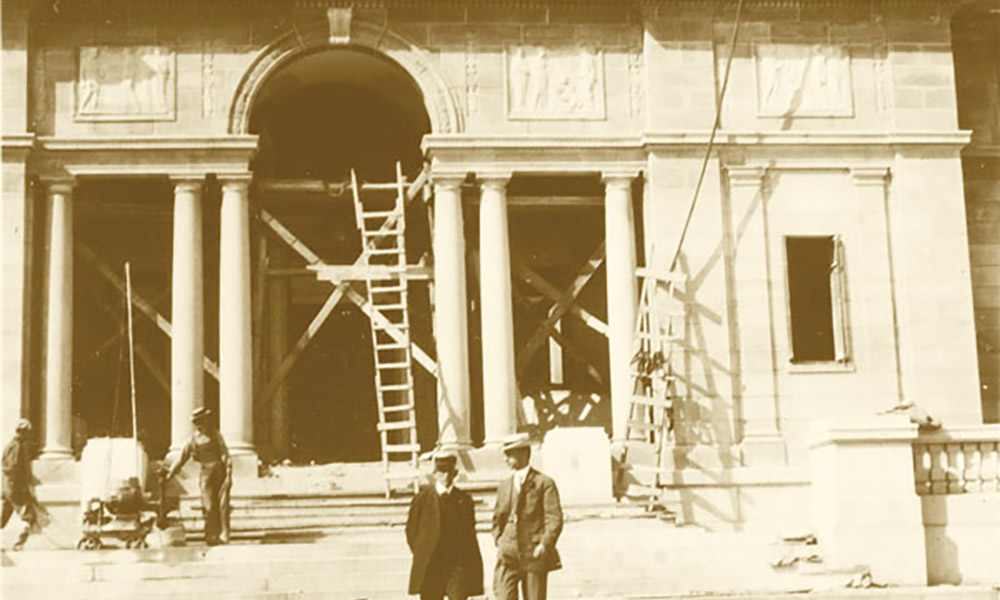archival image of the Memorial Art Gallery under construction.