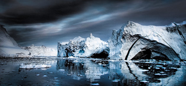 A panoramic view of melting icebergs in the Far North.