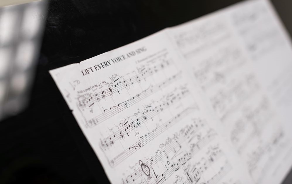 image of sheet music for the carillon