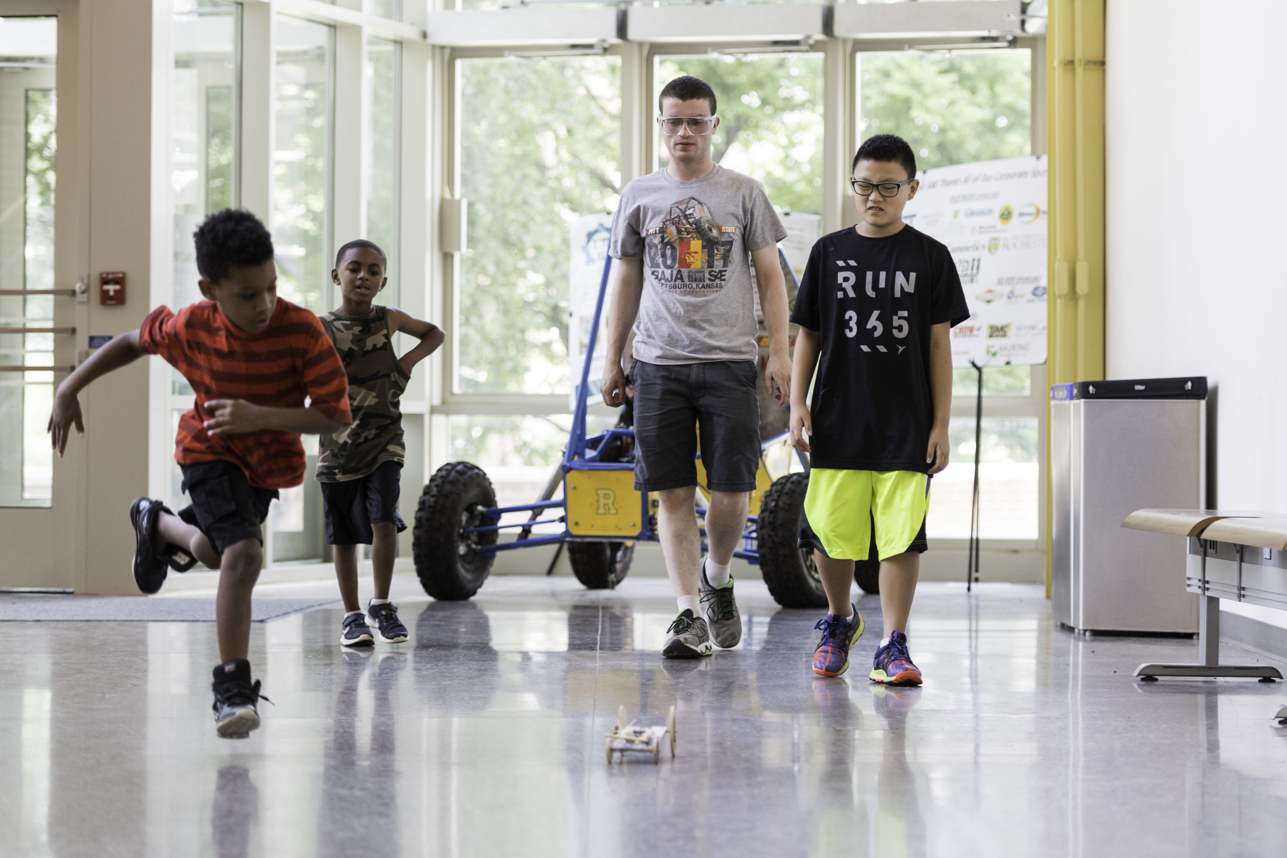 Horizons students in Rettner Hall